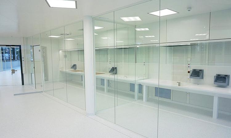 کلین روم شیشه ای